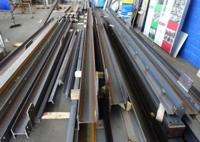 Unterschiedliche Metall Träger